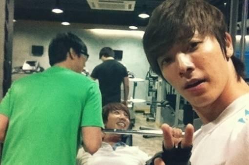 donghae_leeteuk1.jpg